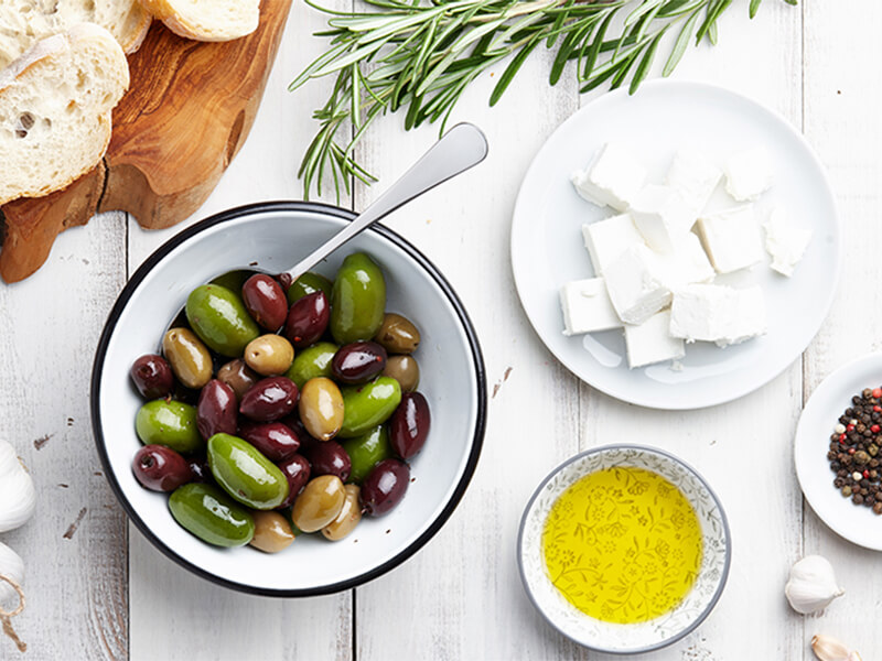 Mediterranean diet: What to eat, health benefits and sample meal plan