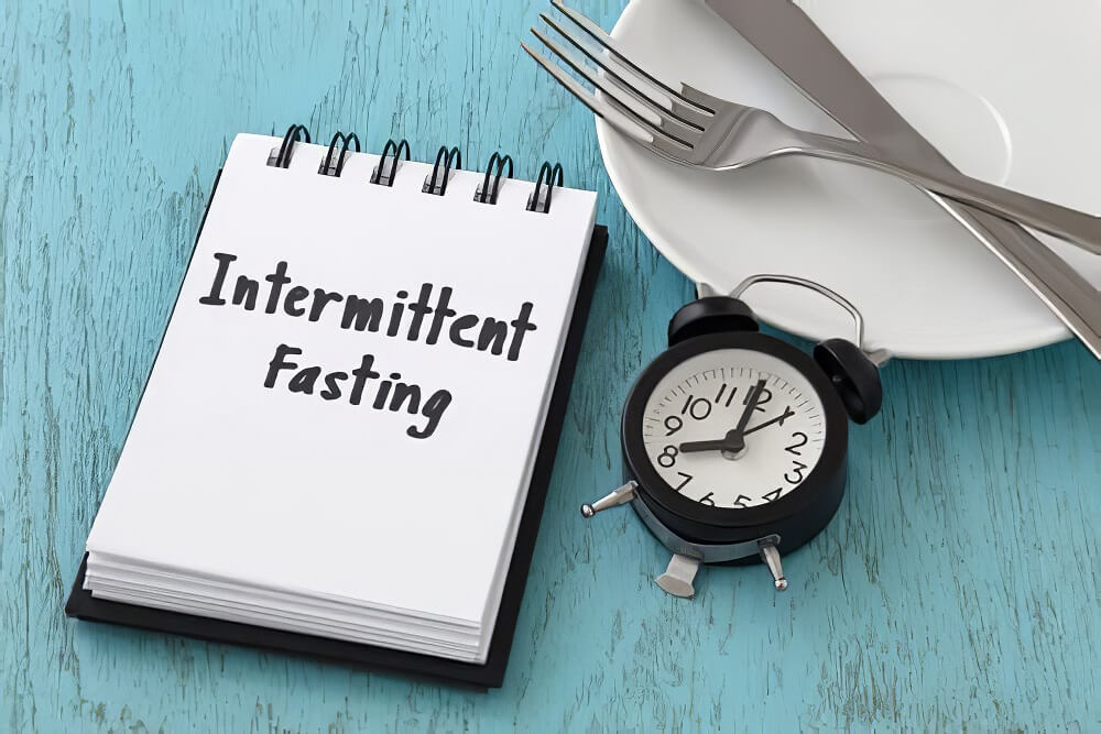 What to eat on intermittent fasting for weight loss? [Full Day Diet plan]