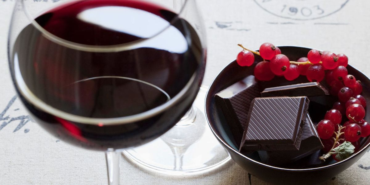 Lose weight on a diet of red wine and chocolate?