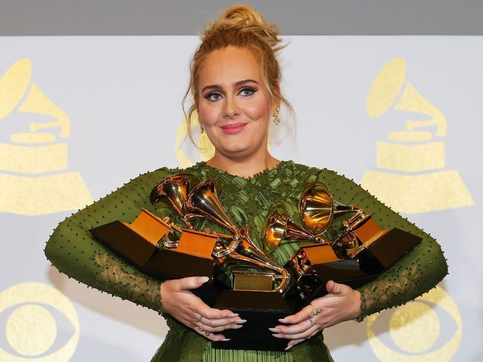 Adele rejects diet pill endorsements worth millions following weight loss: Report