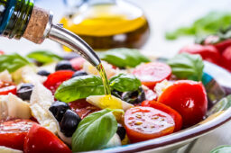 5 Weight Loss Benefits People Have Experienced on the Mediterranean Diet