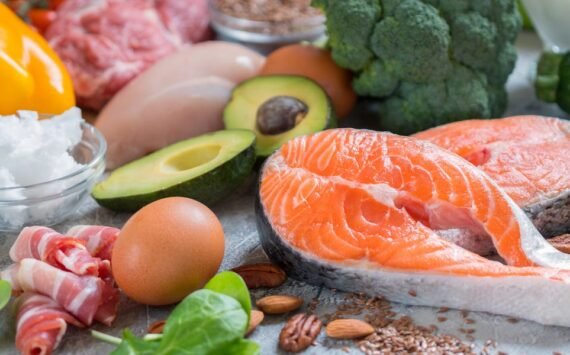 What a day of healthy eating looks like on the keto diet, according to nutritionists