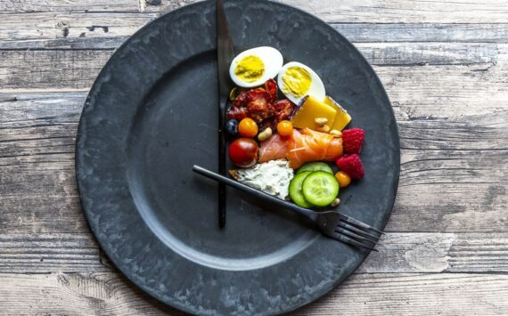 Curious About Intermittent Fasting? This Is Everything You Need To Know To Start The Diet